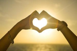 sunset-hands-love-woman, pexels, klein, 400