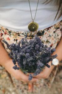 Lavendelstrauss in der Hand,400, Brigitte Tohm